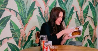 Aksi Mendadak  Para Artis Yang Membuat Dalgona Coffee, Mana Favoritmu?