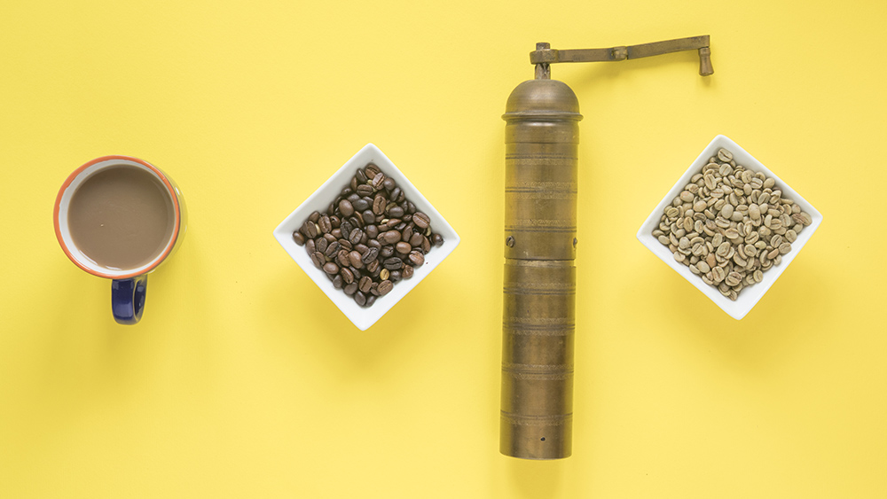https://www.freepik.com/free-photo/old-coffee-grinder-raw-roasted-coffee-beans-coffee-cup-bright-yellow-background_3669343.htm